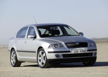 First official picture of Octavia 2 published 30.01.2004. (source: Škoda Auto)
